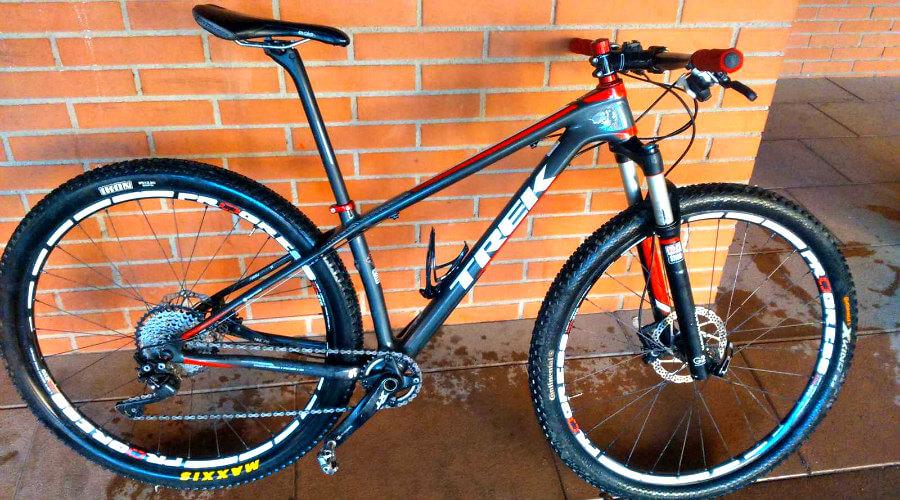 Bicicleta Trek con monoplato