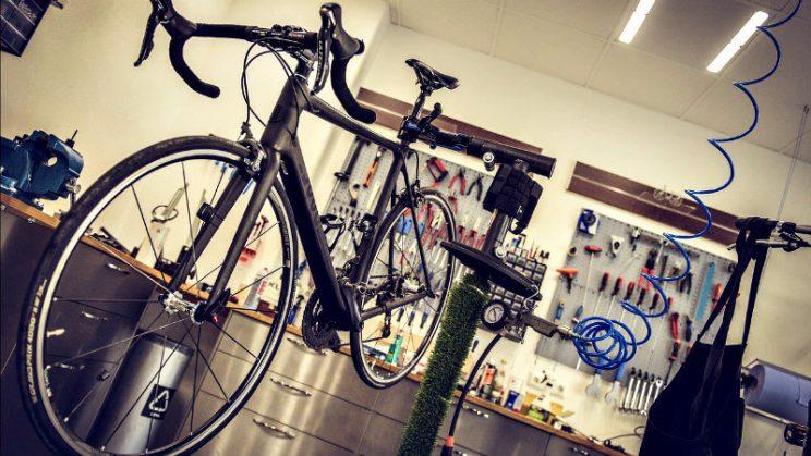 c6958aef03 Las 10 innovaciones que cambiaron el ciclismo en ruta | 🚵