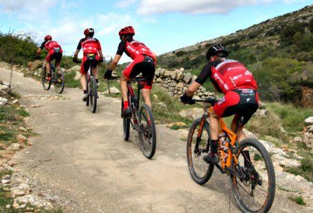 ciclistas de mtb