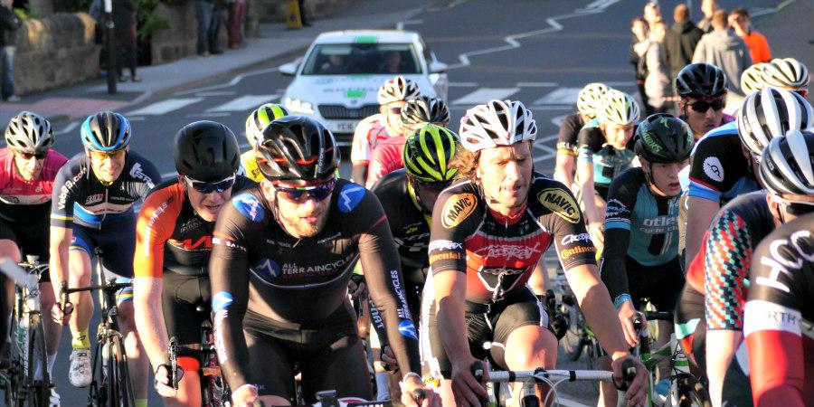ciclistas carretera