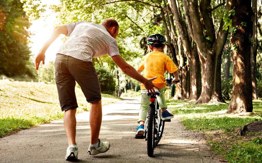 Enseñar A Los Chicos A Andar En Bici: Cómo Enseñar A Tu Hijo A Montar En Bicicleta