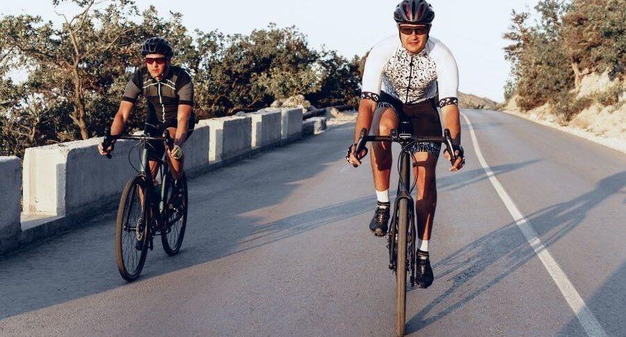 Dos ciclistas